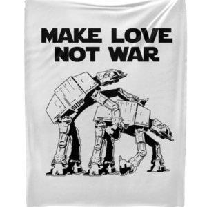 "Плед Make love not war ""Звездные войны"""